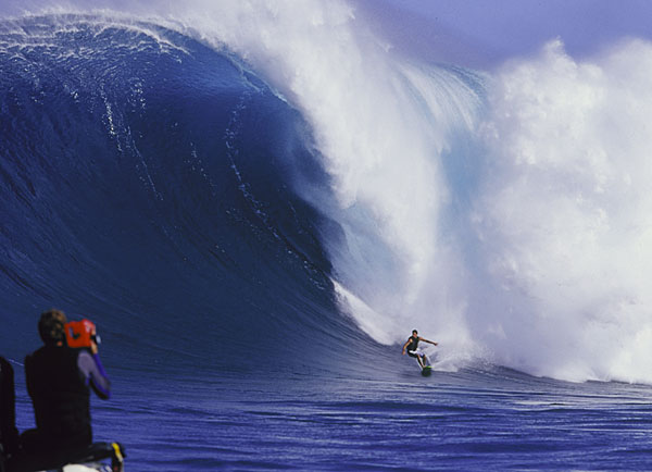 maui-big-wave-surfing-jaws